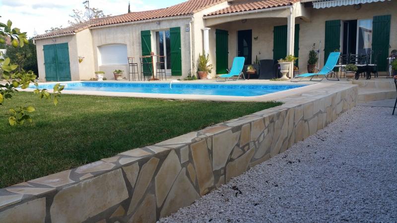Cr ation construction de piscine sur mesure montpellier for Construction piscine 34